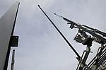 Foto: VidiPhoto<br /> <br /> OPHEUSDEN - Op het gloednieuwe en voor Nederland unieke Agro Business Centre (ABC-terrein) in Opheusden worden maandag de stalen spanten gehesen voor de eerste ondernemer: Damcon uit Opheusden. Het bedrijf levert wereldwijd machines voor de laanboomsector en verhuist van het dorp naar het ABC-terrein in aanbouw. Op het industrieterrein komen alleen bedrijven die gerelateerd zijn aan de laanboomsector, waarvan Opheusden in Nederland het middelpunt is. Naast ondernemingen op dat gebied, komt er eveneens een laanboomkenniscentrum. Bijzonder is dat de grond van het ABC-terrein eigendom blijft van particulieren zolang er niet gebouwd wordt. De gemeente Nederbetuwe loopt hierdoor geen enkel financieel risico. De nieuwbouw van Damcon (2500 vierkante meter) moet in juli klaar zijn. Hoofdaannemer is Burgland uit Dodewaard.