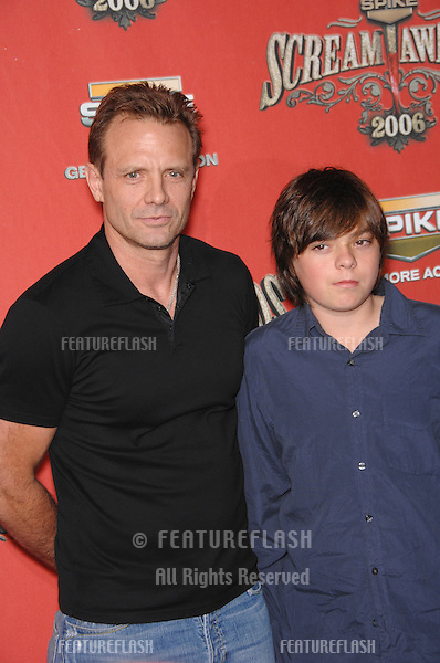 MICHAEL BIEHN & son at the Spike TV Scream Awards 2006 at the Pantages Theatre, Hollywood..October 7, 2006  Los Angeles, CA.Picture: Paul Smith / Featureflash