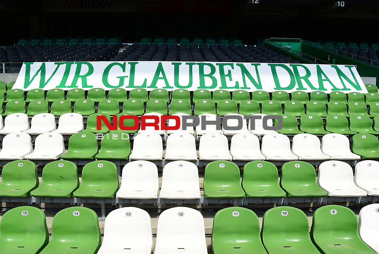 "Transparent ""Wir glauen dran"" im Wohninvest Weserstadion""<br /> Bremen, 27.06.2020, Fussball Bundesliga, SV Werder Bremen - 1. FC Koeln<br /> Foto: VWitters/Witters/Pool//via gumzmedia/nordphoto<br />  DFL REGULATIONS PROHIBIT ANY USE OF PHOTOGRAPHS AS IMAGE SEQUENCES AND OR QUASI VIDEO<br /> EDITORIAL USE ONLY<br /> NATIONAL AND INTERNATIONAL NEWS AGENCIES OUT"