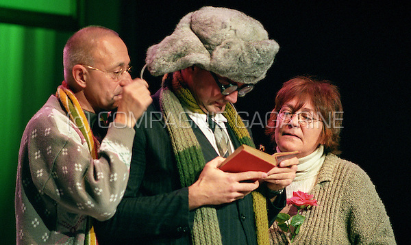 "Theatre company Toneelgroep Streven playing ""Dwazen"" at the national Landjuweel festival (Belgium, 13/10/2006)"