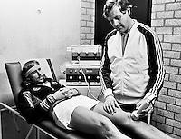 1979, ABN Tennis Toernooi, Bjorn Boeg word behandeld door fysio Karel Koerts