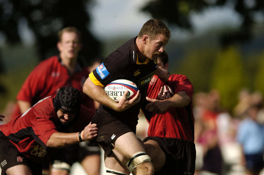 Photo: Richard Lane..London Wasps v London Welsh. Pre season friendly at Henley. 21/08/2004..Richard Birkett attacks.