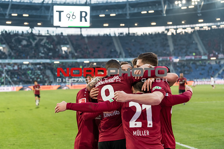 09.02.2019, HDI Arena, Hannover, GER, 1.FBL, Hannover 96 vs 1. FC Nuernberg<br /> <br /> DFL REGULATIONS PROHIBIT ANY USE OF PHOTOGRAPHS AS IMAGE SEQUENCES AND/OR QUASI-VIDEO.<br /> <br /> im Bild / picture shows<br /> Jubel 2:0, Nicolai Müller / Mueller (Neuzugang Hannover 96 #21) bejubelt seinen zweiten Treffer im Spiel mit Jonathas De Jesus (Hannover 96 #09) und Teamkollegen,  <br /> <br /> Foto © nordphoto / Ewert