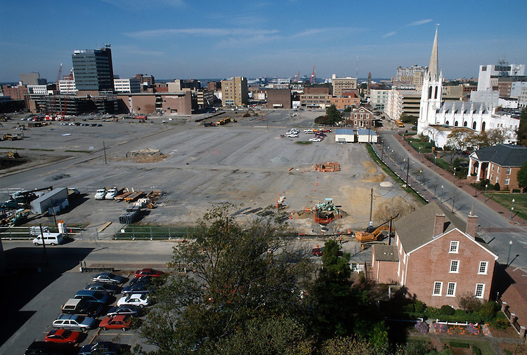1996 October 25..Redevelopment..Macarthur Center.Downtown North (R-8)..LOOKING WEST.FROM ROTUNDA BUILDING...NEG#.NRHA#..
