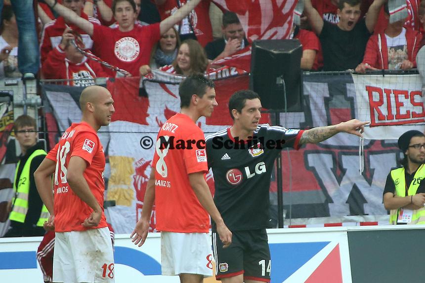 Roberto Hilbert (Bayer) traegt ein anderes Trikot als seine Teamkollegen - 1. FSV Mainz 05 vs. Bayer 04 Leverkusen, Coface Arena, 6. Spieltag