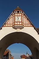 France, Pas-de-Calais (62), côte d'Opale, Le Touquet, Place du marché, horloge de la voûte  // France, Pas de Calais, Cote d'Opale, Le Touquet, Place du Marche (market square), clock on the vault