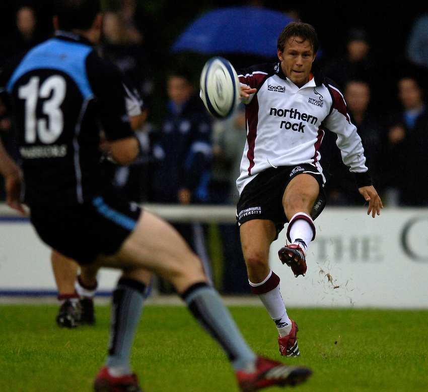 Photo: Jed Wee..Glasgow v Newcastle Falcons. Pre Season Friendly. 18/08/2006...Newcastle's Jonny Wilkinson.