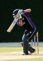 25 JUN 2009 - LOUGHBOROUGH,GBR - Paul Borrington (Loughborough UCCE) batting during the match against Cambridge UCCE - UCCE Twenty 20 (PHOTO (C) NIGEL FARROW)