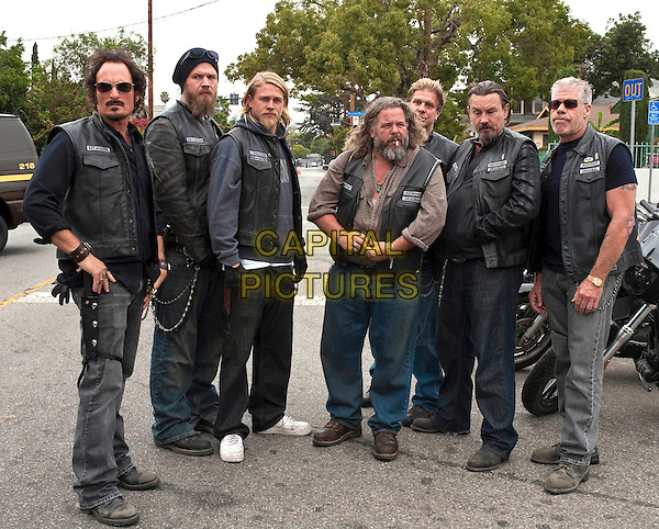 "Kim Coates, Ryan Hurst, Charlie Hunnam, Mark Boone Junior, Tommy Flanagan, Ron Perlman .in Sons of Anarchy (Season 3, Episode 12, ""June Wedding"").*Filmstill - Editorial Use Only*.CAP/NFS.Supplied by Capital Pictures."