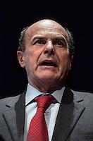 Milano: il segretario del Partito Democratico Pier Luigi Bersani parla a Milano durante un convegno sul futuro e l'Europa