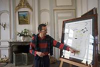 Europe/France/Bretagne/35/Ille et Vilaine/Saint-Malo: Maison d'Armateur et de Corsaire Hôtel D'Asfeld ou Hôtel Magon-Malouinière  5 rue  d'Asfeld - Intramuros<br /> Olivier de la Rivière dans sa demeure