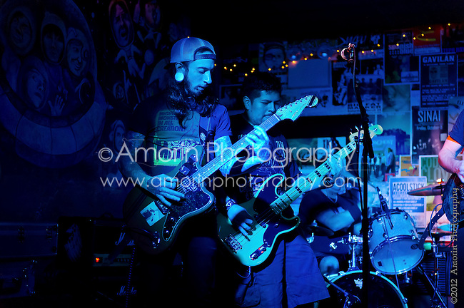 Live at The Grape Room in Manayunk, Pensylvania featuring The Band El Beasto