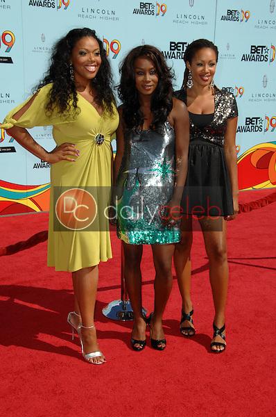 Trinitee 5.7<br />at the 2009 BET Awards. Shrine Auditorium, Los Angeles, CA. 06-28-09<br />Dave Edwards/DailyCeleb.com 818-249-4998