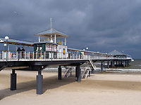 Seebrücke von Heringsdorf auf der Insel Usedom, Mecklenburg-Vorpommern, Deutschland, Europa<br /> pier of Heringsdorf, Isle of Usedom, Mecklenburg-Hither Pomerania, Germany, Europe