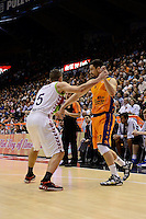 Mart&iacute;nez vs Causeur<br /> Euroleague - 2014/15<br /> Regular season Round 4<br /> Valencia Basket vs Laboral Kutxa Vitoria