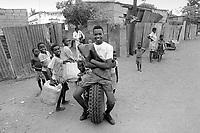 - Mozambique 1993,  Barrio Mulene, at the periphery of Maputo<br /> <br /> - Mozambico 1993,  Barrio Mulene, alla periferia di Maputo