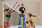 05.01.2019, Den Haag, Sportcampus Zuiderpark<br />Beachvolleyball, FIVB World Tour, 2019 DELA Beach Open<br /><br />Block Alexandra Klineman (#2 USA) - Angriff Sandra Ittlinger (#2 GER)<br /><br />  Foto &copy; nordphoto / Kurth
