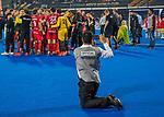 BHUBANESWAR, INDIA -  Media na   de  finale tussen België en Nederland (0-0)  bij het WK Hockey heren in het Kalinga Stadion. Belgie wint de shoot outs. official photographer, met smartphone....  COPYRIGHT KOEN SUYK