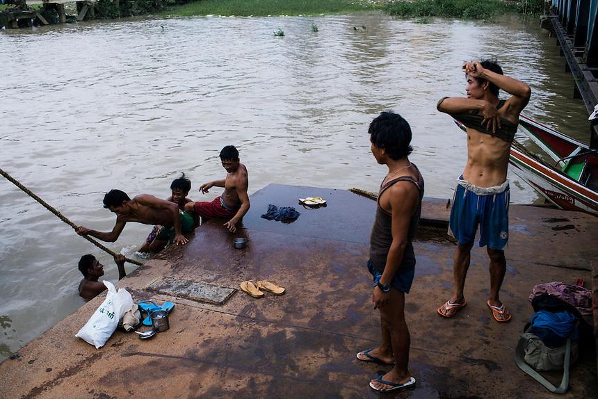 Riverside, Yangon, Burma/Myanmar, November 2012. Photo: Ed Giles.