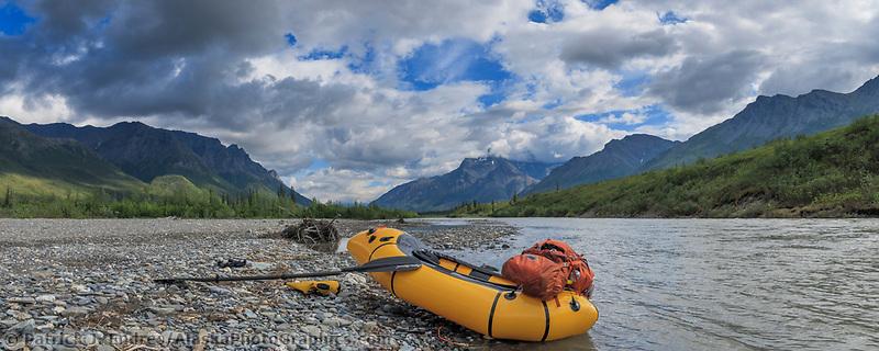 Packrafting on North Fork, Koyukuk River, Gates of the Arctic National Park, Brooks Range, Alaska.