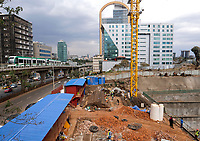 ETHIOPIA , Addis Ababa, LRT Light rail transport, green line, build by chinese company and building constrution site of CJIC China Jiangxi Corporation for International Economic & Technical Cooperation, builds the embassy of Equatorial Guinea and the POESSA Headquarters / AETHIOPIEN, Addis Abeba, Stadtbahn Linie, gebaut durch chinesische Firma line, build by chinese company  / AETHIOPIEN, Addis Abeba, Stadtbahn Linie, gebaut durch chinesische Firma, und Baustelle einer chinesischen Baufirma