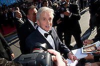 "Michael Douglas - Montee des marches du film ""Ma vie avec Liberace"" lors du 66eme Festival du film de Cannes le 21 mai 2013 Jessica Chastain arrives at the screening of the film ""Behind the Candelabra"" during the 66th annual Cannes International Film Festival in Cannes, France on May 21, 2013. .Cannes 21/5/2013 .66mo Festival del Cinema di Cannes 2013 .Foto Panoramic / Insidefoto .ITALY ONLY"