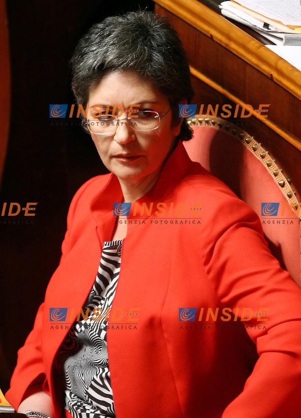 Roma, 28/04/2006 Senato:Votazione per il Presidente<br /> Nella foto dall alto la senatrice dei DS Anna Finocchiaro <br /> Photo Serena Cremaschi Insidefoto