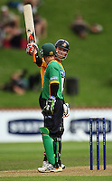 Wellington captain Matthew Bell acknowledges the applause after he passed 50 runs during the State Shield cricket match between the Wellington Firebirds and Central Stags at Allied Prime Basin Reserve, Wellington, New Zealand on Sunday, 11 January 2009. Photo: Dave Lintott / lintottphoto.co.nz