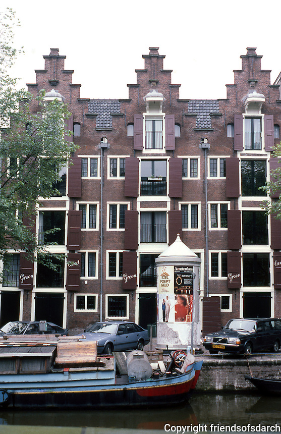 Amsterdam: Nos. 44-42-40 Keizersgracht. Stepped gables, circa 1600-1670. Photo '87.