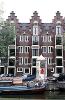 Amsterdam: Nos. 44-42-40 Keizersgracht. Stepped gables, circa 1600-1670. Photo '87.