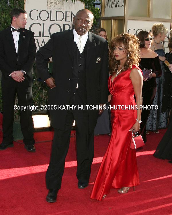 ©2005 KATHY HUTCHINS /HUTCHINS PHOTO.62ND GOLDEN GLOBES.BEVERLY HILLS, CA.JANUARY 16, 2005..LOU GOSSETT JR.MONA IBRAHIM