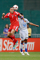 Panama Blas Perez (7) heads the ball.   Panama defeated El Salvador in penalty kicks 5-3 in the quaterfinals for the 2011 CONCACAF Gold Cup , at RFK Stadium, Sunday June 19, 2011.