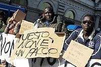 Roma, 12 Novembre 2015.<br /> Associazioni e migranti in presidio sotto la Prefettura contro i trasferimenti arbitrari di decine di richiedenti asilo dal CARA di Castelnuovo di Porto.