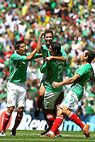 SOCCER/FUTBOL.ELIMINATORIAS CONCACAF 2010.MEXICO VS ESTADOS UNIDOS.TIEMPO DE CELEBRAR EL GOL.Action photo of Israel Castro of Mexico celebrating goal, during World  Cup 2010 qualifier game against USA at the Azteca Stadium./Foto de accion de Israel Castro de Mexico celebrando el gol, durante juego eliminatorio de Copa del Mundo 2010 en el Estadio Azteca. 12 August 2009. MEXSPORT/OMAR MARTINEZ
