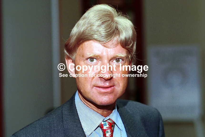 Michael Fabricant, Conservative MP, Britain, UK. Taken at 1995 Conservative Conference in Blackpool. Ref: 199510003..Copyright Image from Victor Patterson, 54 Dorchester Park, Belfast, UK, BT9 6RJ..Tel: +44 28 9066 1296.Mob: +44 7802 353836.Voicemail +44 20 8816 7153.Skype: victorpattersonbelfast.Email: victorpatterson@mac.com.Email: victorpatterson@ireland.com (back-up)..IMPORTANT: If you wish to use this image or any other of my images please go to www.victorpatterson.com and click on the Terms & Conditions. Then contact me by email or phone with the reference number(s) of the image(s) concerned.
