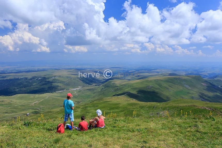 France, Cantal (15), le Plomb du Cantal, le sommet // France, Cantal, Plomb du Cantal, at the summit