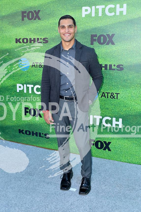 Christian Ochoa bei der Premiere der FOX TV-Serie 'Pitch' auf dem West LA Little League Field. Los Angeles, 13.09.2016