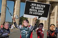 Die Entwicklungsorganisation ONE machte am Donnerstag den 22. August 2019 vor dem Brandenburger Tor in Berlin mit einer Aktion fuer die Staerkung von Frauenrechten aufmerksam.<br /> Zwei Tage vor dem G7-Gipfel in Frankreich forderten die als Superhelden verkleideten Aktivisten von Bundeskanzlerin Angela Merkel, sich beim Gipfel fuer Geschlechtergerechtigkeit stark zu machen.<br /> 22.8.2019, Berlin<br /> Copyright: Christian-Ditsch.de<br /> [Inhaltsveraendernde Manipulation des Fotos nur nach ausdruecklicher Genehmigung des Fotografen. Vereinbarungen ueber Abtretung von Persoenlichkeitsrechten/Model Release der abgebildeten Person/Personen liegen nicht vor. NO MODEL RELEASE! Nur fuer Redaktionelle Zwecke. Don't publish without copyright Christian-Ditsch.de, Veroeffentlichung nur mit Fotografennennung, sowie gegen Honorar, MwSt. und Beleg. Konto: I N G - D i B a, IBAN DE58500105175400192269, BIC INGDDEFFXXX, Kontakt: post@christian-ditsch.de<br /> Bei der Bearbeitung der Dateiinformationen darf die Urheberkennzeichnung in den EXIF- und  IPTC-Daten nicht entfernt werden, diese sind in digitalen Medien nach §95c UrhG rechtlich geschuetzt. Der Urhebervermerk wird gemaess §13 UrhG verlangt.]