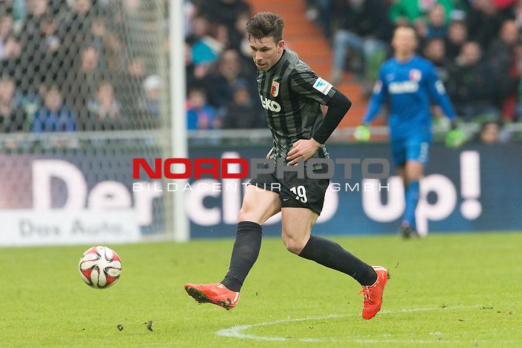 14.02.2015, Weser Stadion, Bremen, GER, 1.FBL. Werder Bremen vs 1. FC Augsburg, im Bild<br /> <br /> <br /> Jan-Ingwer Callsen-Bracker (FC Augsburg)<br /> <br /> Einzelaktion, Ganzk&ouml;rper / Ganzkoerper,<br /> <br /> <br /> Foto &copy; nordphoto / Kokenge