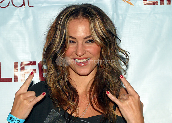 Drea de Matteo arriving to the MTV2 LIFEbeat Benefit Concert at Roseland Ballroom in New York City.  August 27, 2003.  © Scott Weiner /MediaPunch.