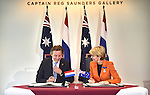Mr Bert Koenders (L), Netherlands Minister of Foreign Affairs and Julie Bishop (R) Australian Minister for Foreign Affairs sign a MOU at the Australian War Memorial, Canberra, Nov 2, 2016. AFP PHOTO/ MARK GRAHAM POOL