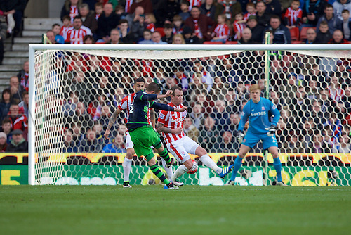 02.04.2016. Britannia Stadium, Stoke, England. Barclays Premier League. Stoke City versus Swansea City.  Swansea City's  Gylfi Sigurdsson scores their first goal.
