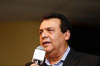 TABOAO DA SERRA, SP, 13.09.2013. ALCKMIN - ANUNCIO POUPATEMPO TABOAO. O prefeito de Taboão da Serra, Fernando Fernandes, durante anúncio da implantação da nova unidade do Poupatempo na cidade de Taboão da Serra. O Poupatempo é um programa do Governo do Estado, coordenado pela Secretaria de Gestão Pública que, desde a inauguração do primeiro posto, em 1997, já prestou mais de 366 milhões de atendimentos. Atualmente conta com 32 unidades instaladas na capital, Grande São Paulo, litoral e interior. (Foto: Adriana Spaca/Brazil Photo Press)
