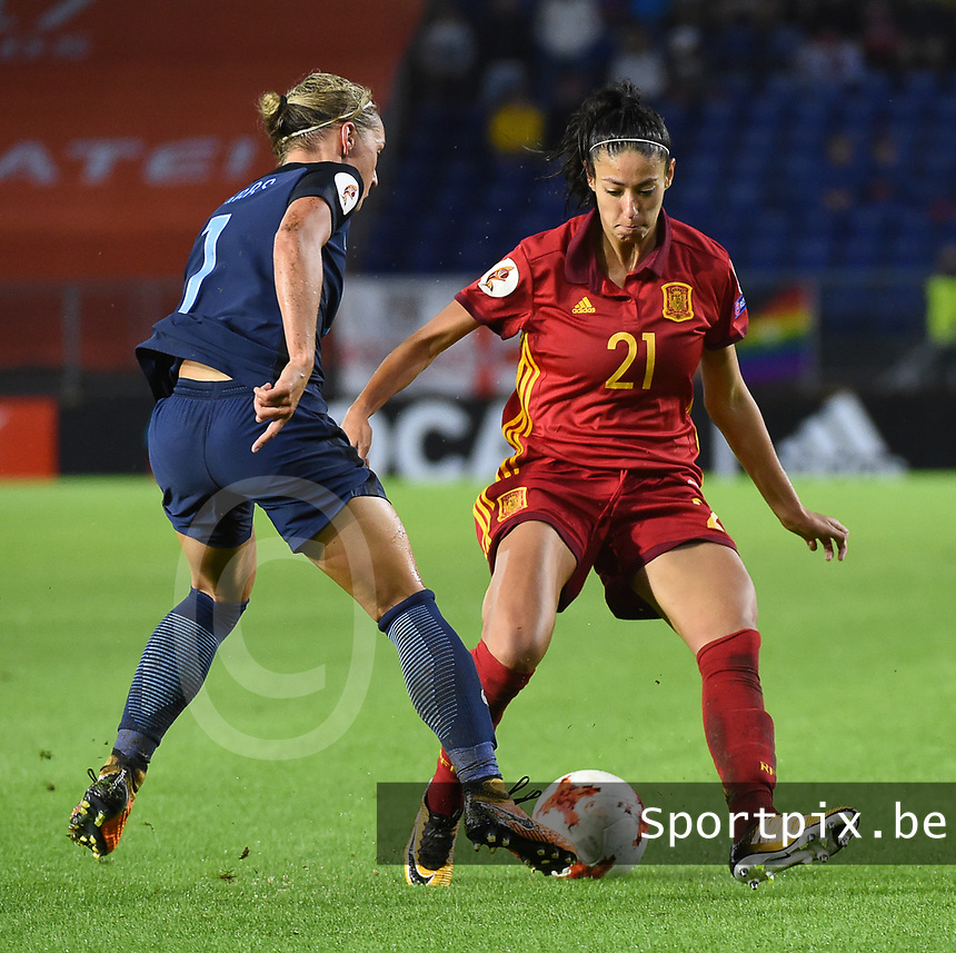 20170723 - BREDA , NETHERLANDS : English Jordan Nobbs (L) and Spanish Leila Ouahabi (R) pictured during the female soccer game between England and Spain  , the second game in group D at the Women's Euro 2017 , European Championship in The Netherlands 2017 , Sunday 23 th June 2017 at Stadion Rat Verlegh in Breda , The Netherlands PHOTO SPORTPIX.BE   DIRK VUYLSTEKE