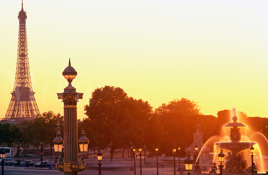 France, Paris, Place de la Concorde with fountain and the Eiffel Tower in the background
