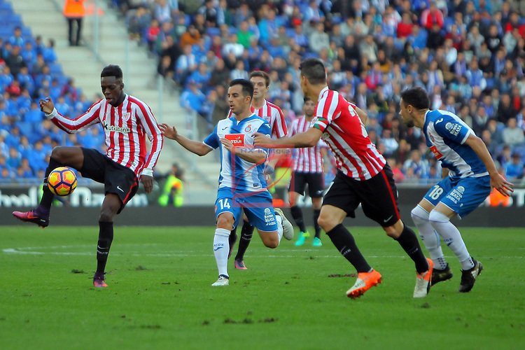 League Santander 2016/2017. Game: 11.<br /> RCD Espanyol vs Athletic Club: 0-0.<br /> I&ntilde;aki Williams, Jose Manuel Jurado,  Aritz Aduriz &amp; Javi Fuego.