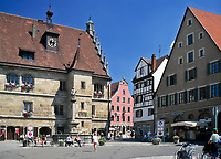 DEU, Deutschland, Bayern, Mittelfranken, Altmuehltal, Weissenburg: Marktplatz und Rathaus | DEU, Germany, Bavaria, Middle Franconia, Altmuehltal, Weissenburg: Marktet Square and townhall
