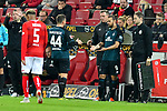 04.11.2018, Opel-Arena, Mainz, GER, 1 FBL, 1. FSV Mainz 05 vs SV Werder Bremen, <br /> <br /> DFL REGULATIONS PROHIBIT ANY USE OF PHOTOGRAPHS AS IMAGE SEQUENCES AND/OR QUASI-VIDEO.<br /> <br /> im Bild: Wechsel: Martin Harnik (SV Werder Bremen #9) fuer Philipp Bargfrede (#44, SV Werder Bremen)<br /> <br /> Foto &copy; nordphoto / Fabisch