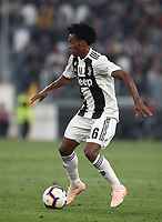 Calcio, Serie A: Juventus - Genoa, Turin, Allianz Stadium, October 20, 2018.<br /> Juventus' Juan Cuadrado in action during the Italian Serie A football match between Juventus and Genoa at Torino's Allianz stadium, October 20, 2018.<br /> UPDATE IMAGES PRESS/Isabella Bonotto