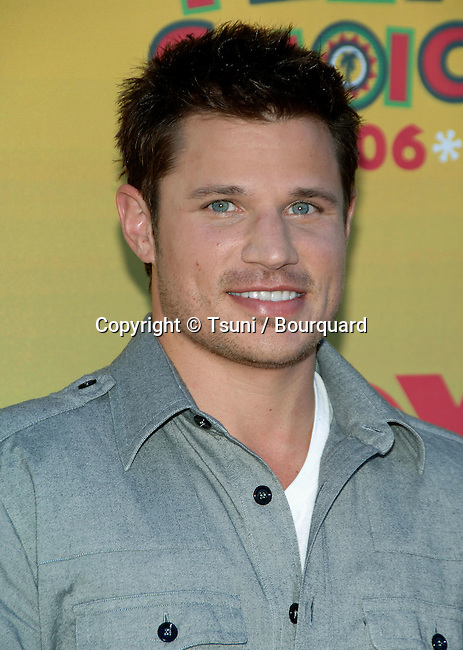 Nick Lachey at the TEEN CHOICE Awards at the Universal Amphitheatre  in Los Angeles. August 20, 2006.<br /> <br /> headshot<br /> smile<br /> eye contact